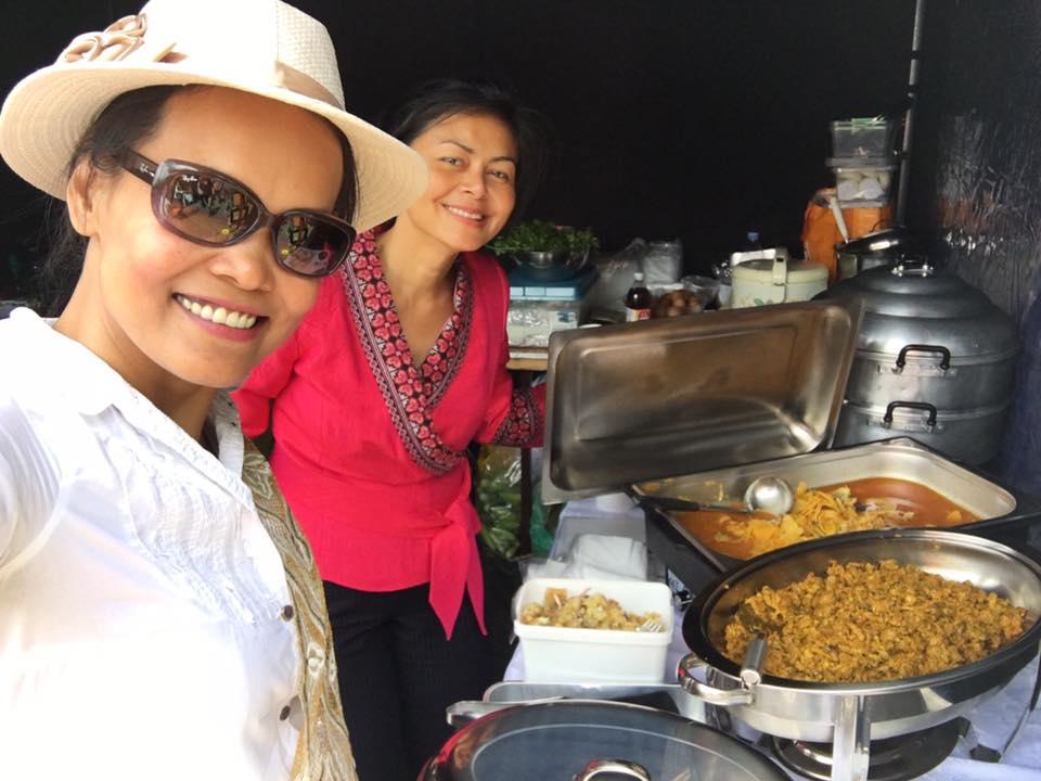 ในงานเทศกาลไทยครั้งนี้ สมาคมล่ามฯ ได้ร่วมออกร้านจำหน่ายอาหารปักษ์ใต้ และเครื่องแกงปักษ์ใต้